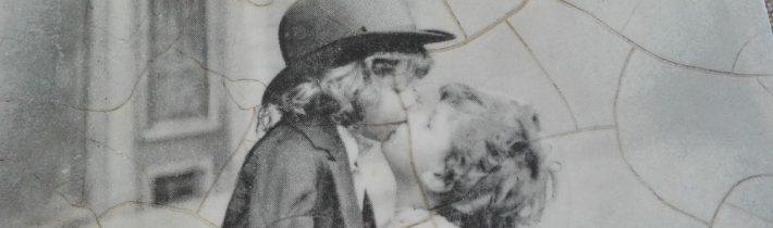 """Herbaciarka """"Pierwsza miłość"""""""